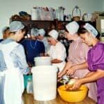 Amish ladies